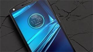 بالفيديو: موتورولا تتحدى آبل و سامسونغ و تكشف عن هاتف جديد بشاشة غير قابلة للكسر !