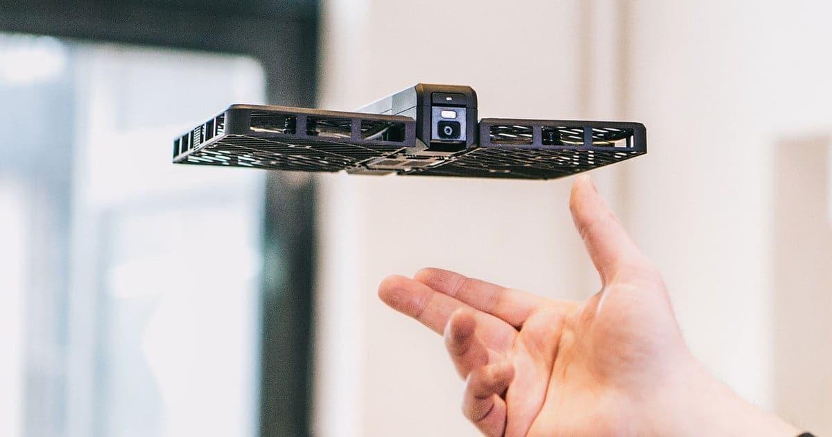 خصائص ومميزات الكاميرا الطائرة Hover Camera - تقنيات