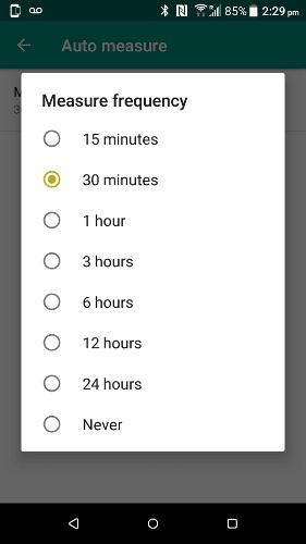 كيفية التحقق من عمر البطارية لملحقات Bluetooth المقترنة بهاتفك على Android