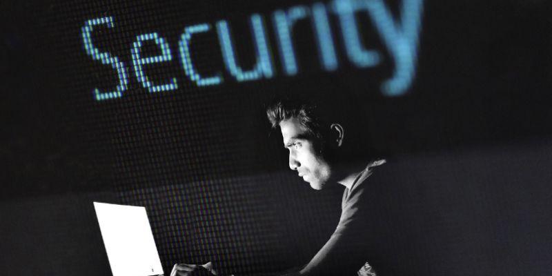 قم بحماية حساب Facebook الخاص بك من المخترقين