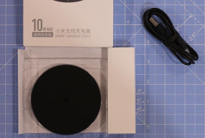 مراجعة كاملة لشاحن Xiaomi Mi اللاسلكي 10W - ضربة أخرى؟