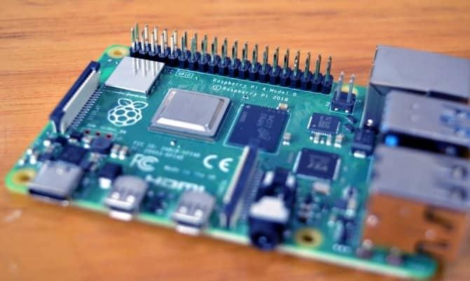 استخدامات ومشاريع رائعة لـ Raspberry Pi للتجربة بنفسك