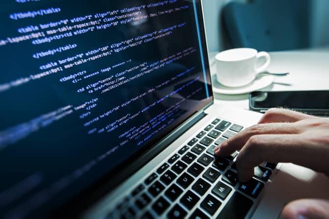 أسباب تجعل أجهزة Mac أقل عرضة للبرامج الضارة مقارنة بـ Windows - مقالات