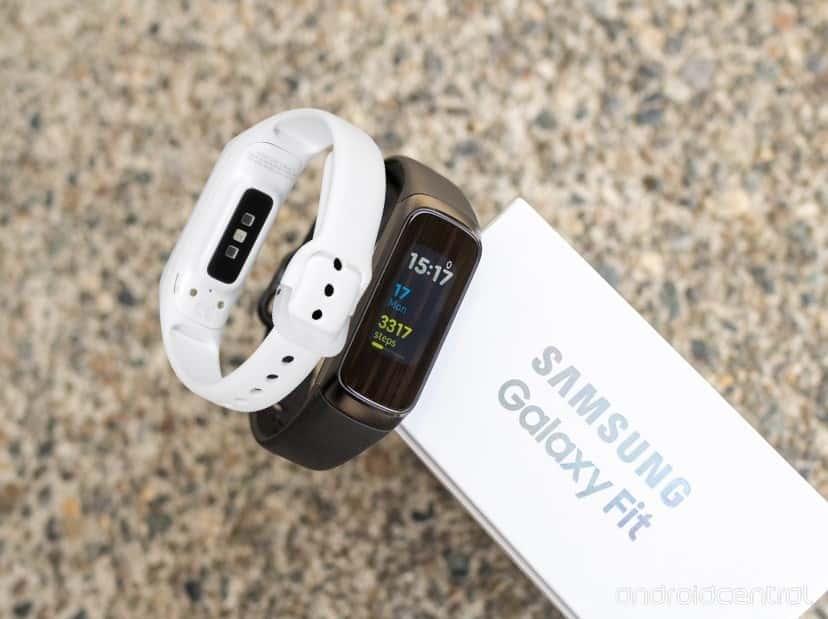 أفضل النصائح والحيل على Samsung Galaxy Fit لاستخدام السوار بفعالية