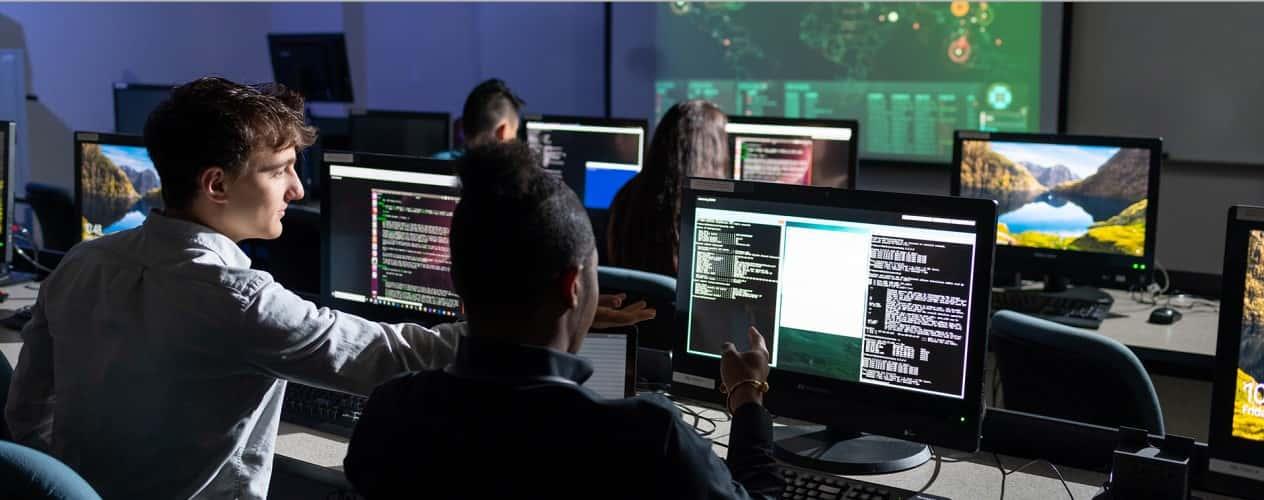 ما الذي يفعله محلل الأدلة الجنائية الحاسوبية؟ هل هذه الوظيفة مناسبة لك؟ - مقالات