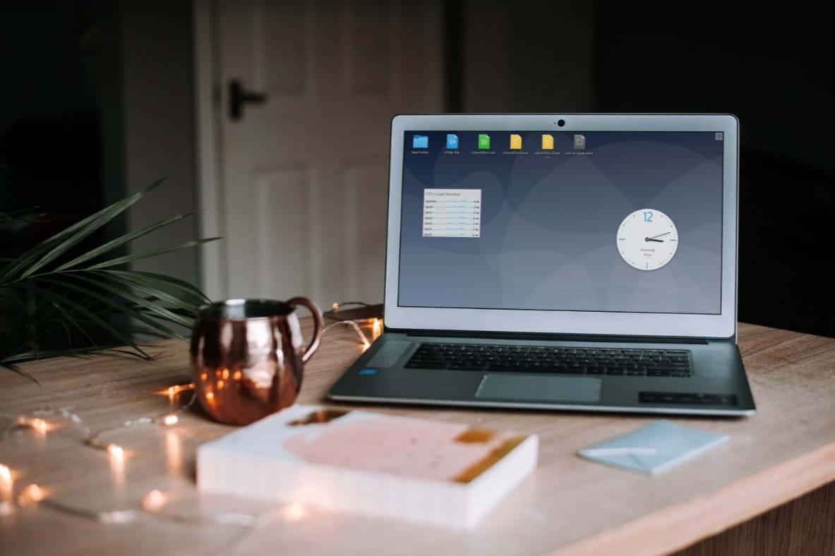 كيفية الحصول على تجربة سطح مكتب Linux على Chrome OS