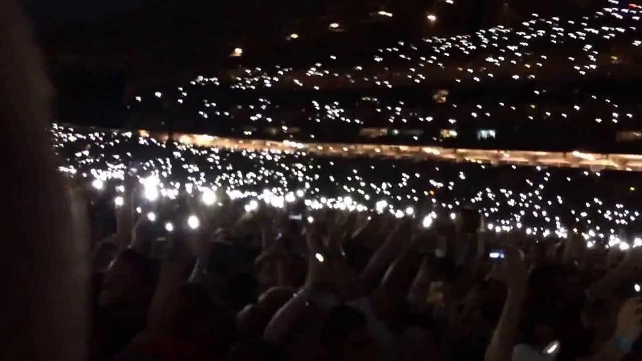 كيفية تشغيل وإيقاف تشغيل وضع المصباح على هاتفك