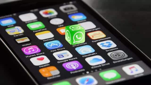 كيفية تغيير نمط خط النصوص في دردشات WhatsApp