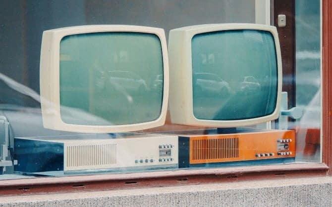 ماذا تفعل بشاشات الكمبيوتر القديمة: مجموعة من الأفكارالمُفيدة