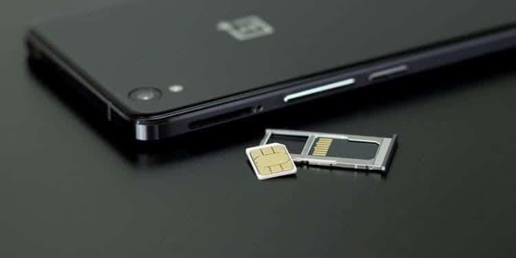 هل هاتفي غير مؤمّن لاستخدامه مع شركة اتصالات أخرى؟ إليك كيف يُمكنك أن تعرف