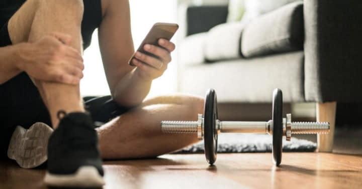 أفضل تطبيقات اللياقة البدنية المجانية لبناء عادة ممارسة التدريبات المنتظمة