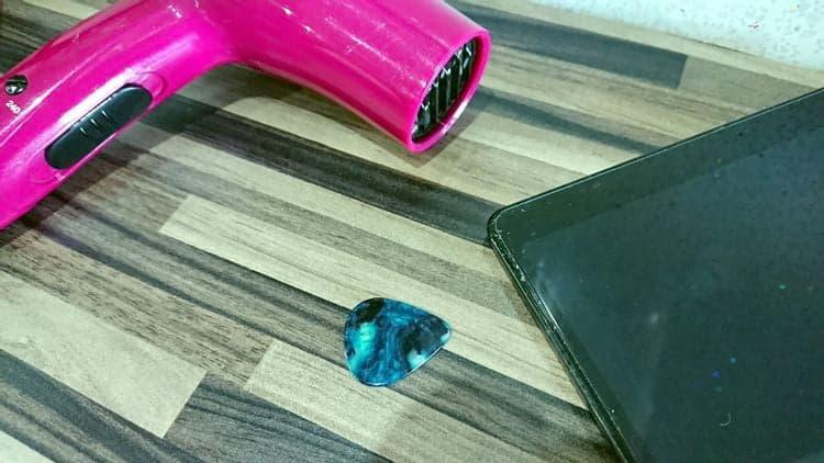 كيفية إزالة واقي الشاشة الزجاجي أو البلاستيكي بأمان