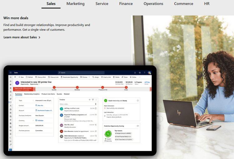 ما هي Microsoft Dynamics 365 وكيف يُمكنها تعزيز خدمةالعملاء؟