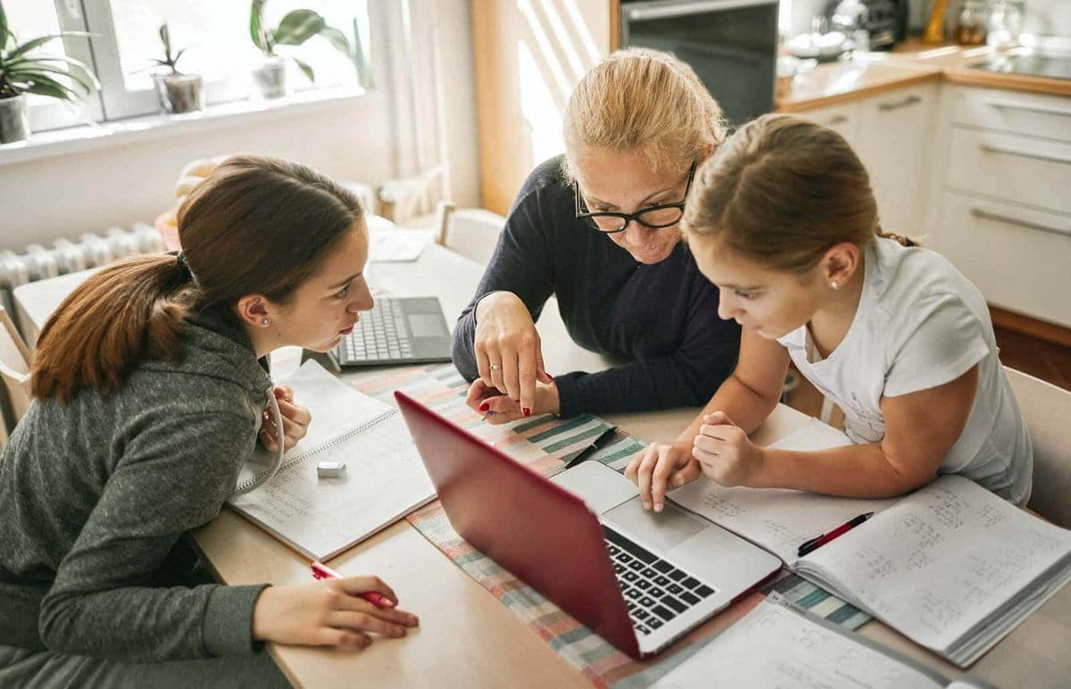 أفضل مناهج التاريخ المجانية للتعليم المنزلي علىالإنترنت