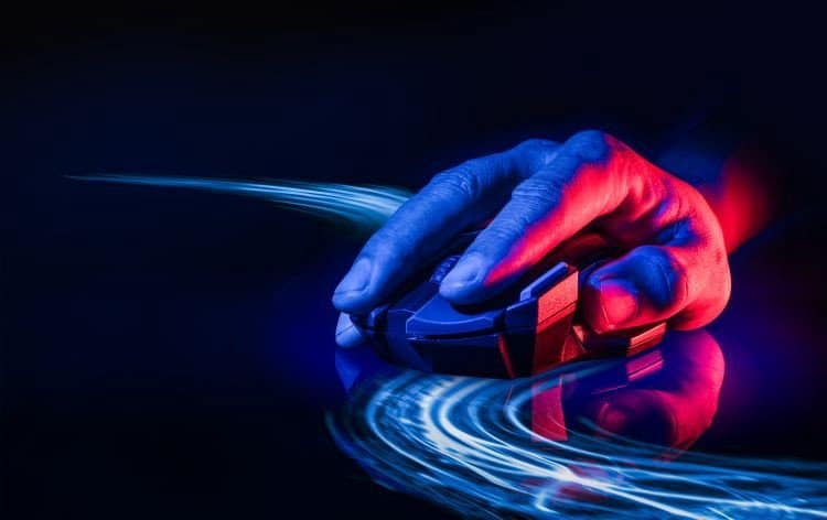 ما هي حساسية الماوس (نقطة لكل بوصة) وهل يمكن أن تجعل الألعابأسهل؟