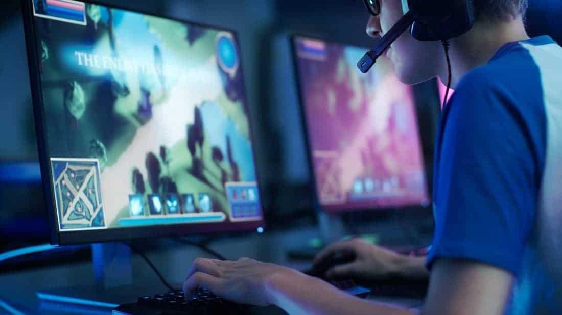 Comparaison d'une fréquence d'images plus élevée et d'une meilleure résolution d'écran: qu'est-ce qui est le plus important pour les jeux?